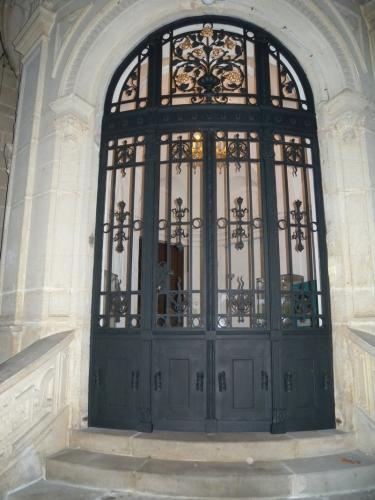 Vstupní dveře - Vila továrníka Carla Friedricha Wolfruma